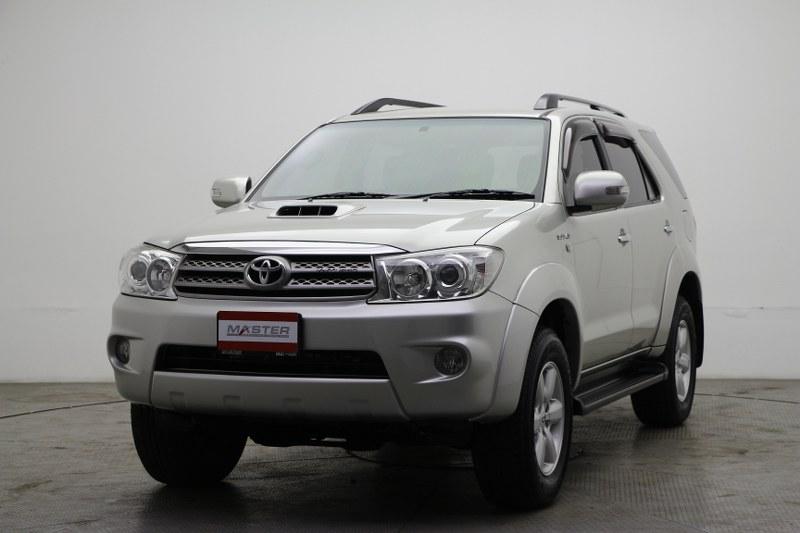 2000 Toyota Fortuner