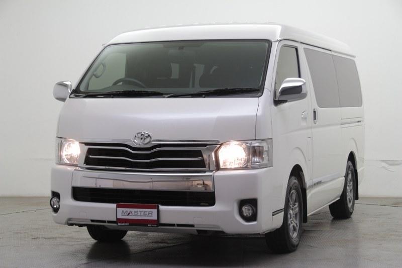 2015 Toyota Ventury